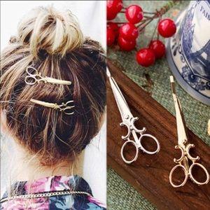 Accessories - Silver scissor hair clips